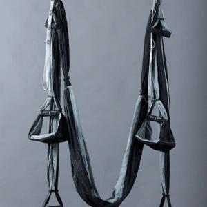 סולם יעקב 2017 עם כריות אפור שחור